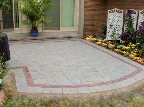 Copthorn Pavers As A Decorative Runner Border Behind The Patio Edging
